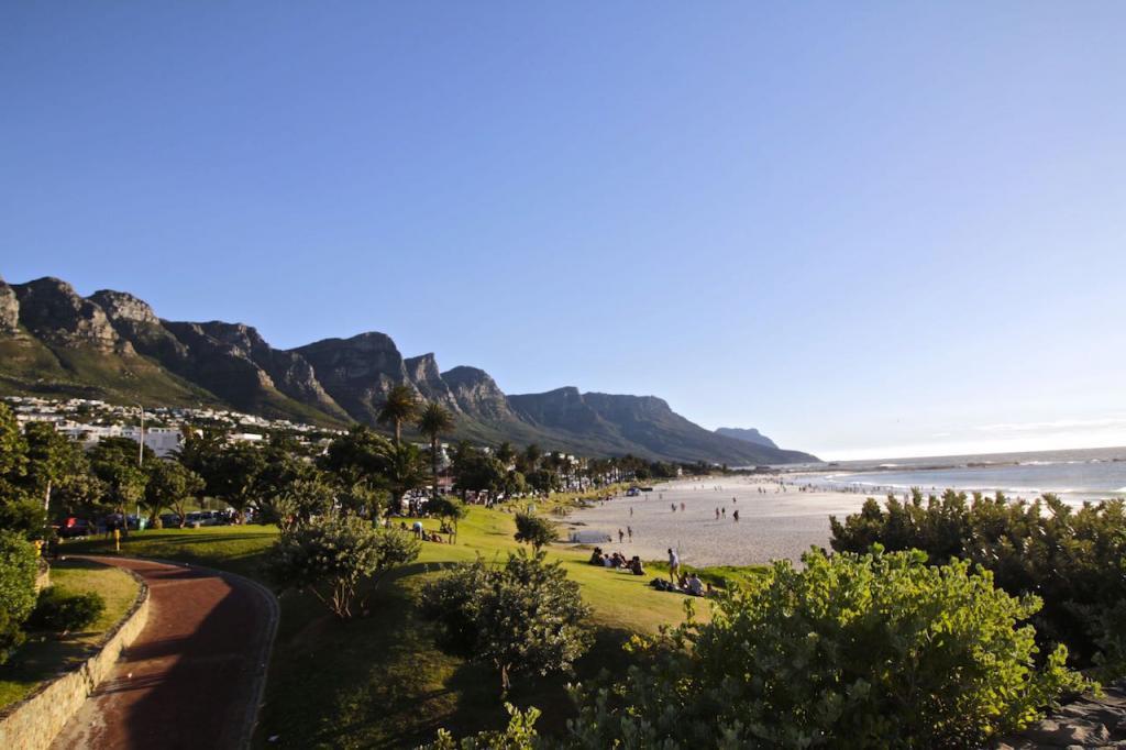 O que fazer em Cape Town: curtir Camps Bay