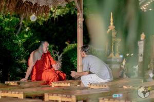 O que fazer em Chiang Mai_monk chat