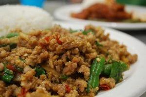 comida tailandesa : chicken basil