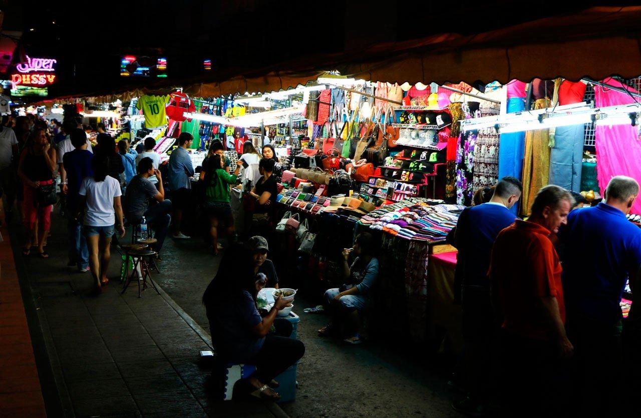mercados de rua em Bangkok: Patpong