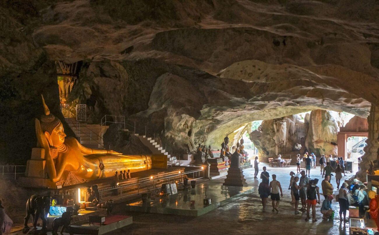 Suwankuha Temple em Krabi na Tailandia
