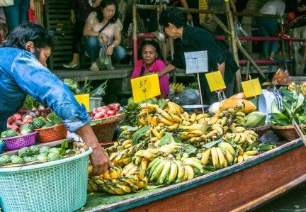 O MELHOR MERCADO FLUTUANTE DE BANGKOK: VEJA AS OPÇÕES E SAIBA QUAL VISITAR