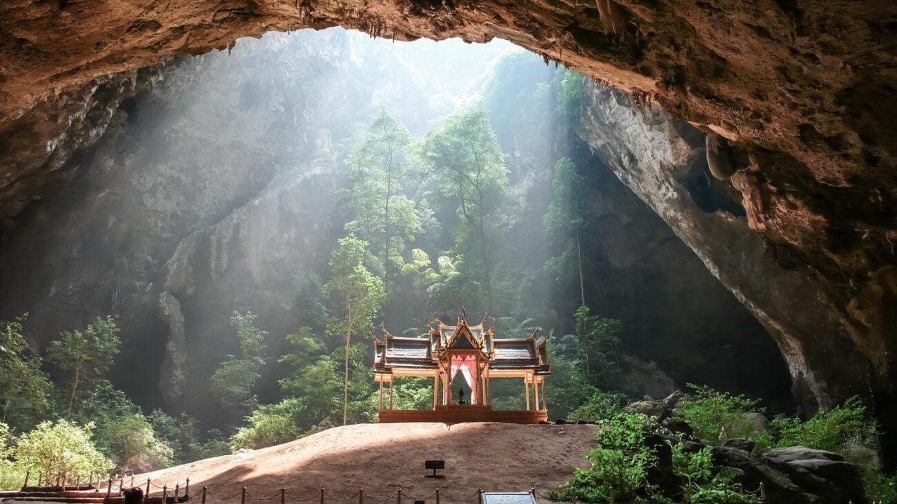 Hua Hin Tailândia - O templo dentro da cavenda