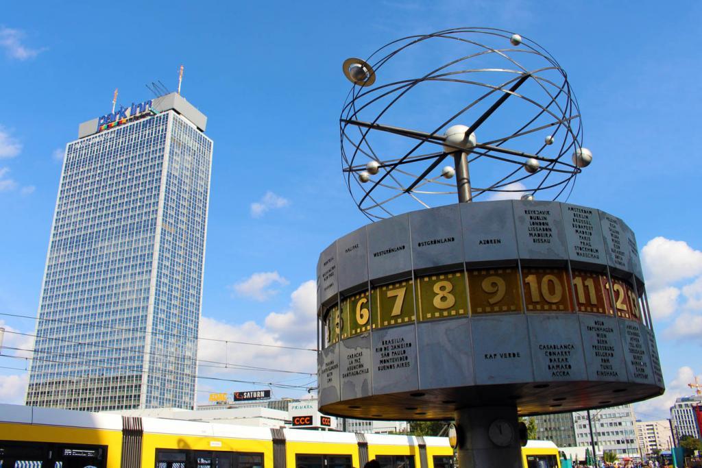O que fazer em Berlim: Weltzeituhr, o famoso relógio na Alexanderplatz