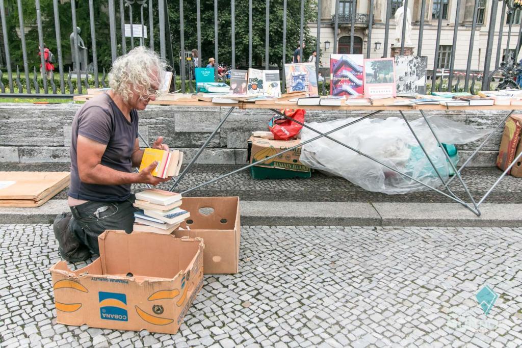 O que fazer em Berlim: Feira de livros na Unter den Linden
