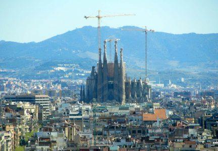 SAGRADA FAMILIA EM BARCELONA: A OBRA MAIS VISITADA DA ESPANHA