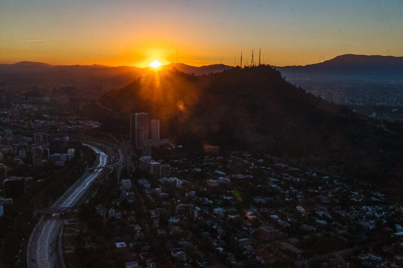 Sky Costanera Santiago Chile - Por do Sol