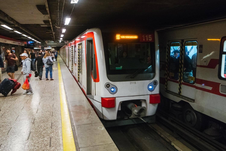 Sky Costanera Santiago Chile - Metro