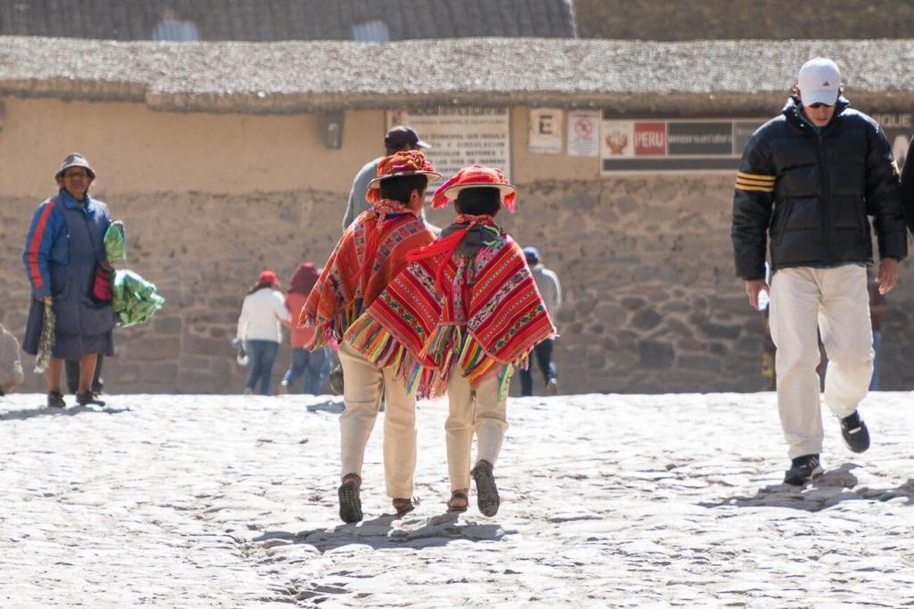 Ollantaytambo Peru - Crianças