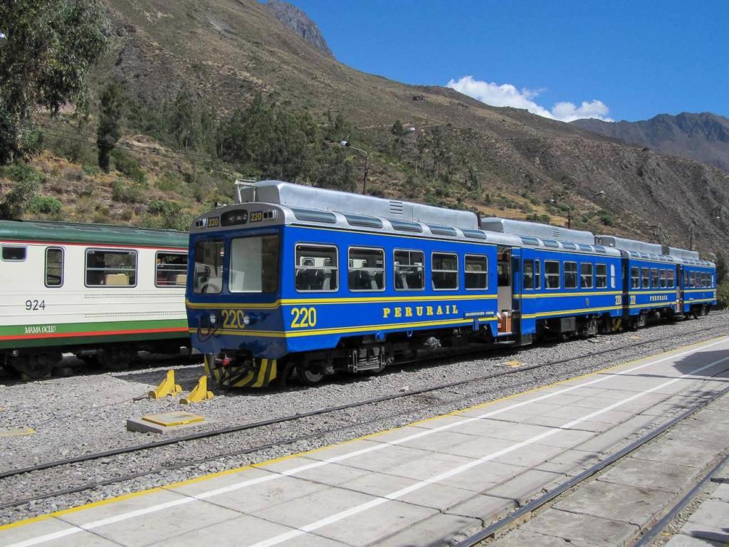 Ollantaytambo Peru - Trem
