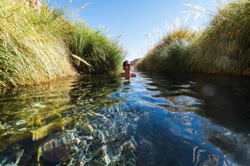 Deserto do Atacama Chile - Adriana relaxando em uma das piscinas da Termas de Puritama