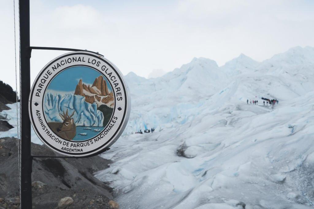 O que Fazer Em El Calafate Perito Moreno Argentina - Foto da placa de sinalização do Parque Nacional Los Glaciares na Argentina