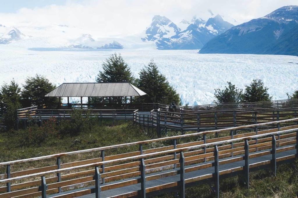 O que Fazer Em El Calafate Perito Moreno Argentina - Foto do início do caminho para as plataformas de observação no Parque Los Glaciares