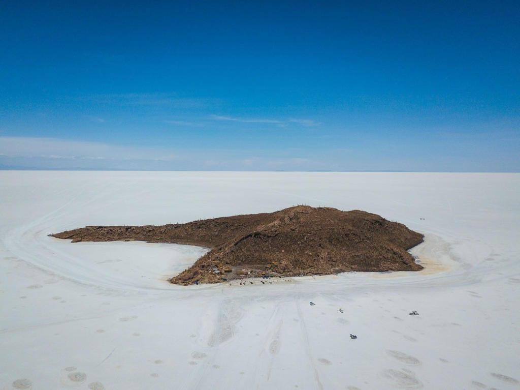 Salar de Uyuni - Foto aéra de Incahuasi uma ilha com vegetação em meio ao deserto de Sal