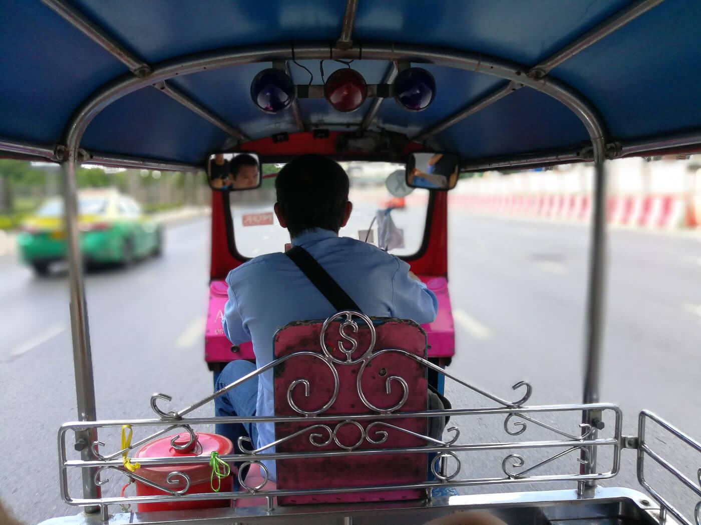 Turismo na Tailândia - Tuk Tuk