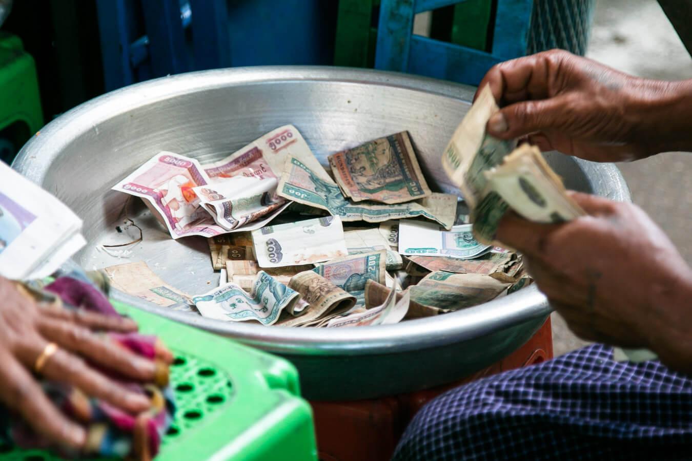 Viagem para Myanmar - Dinheiro