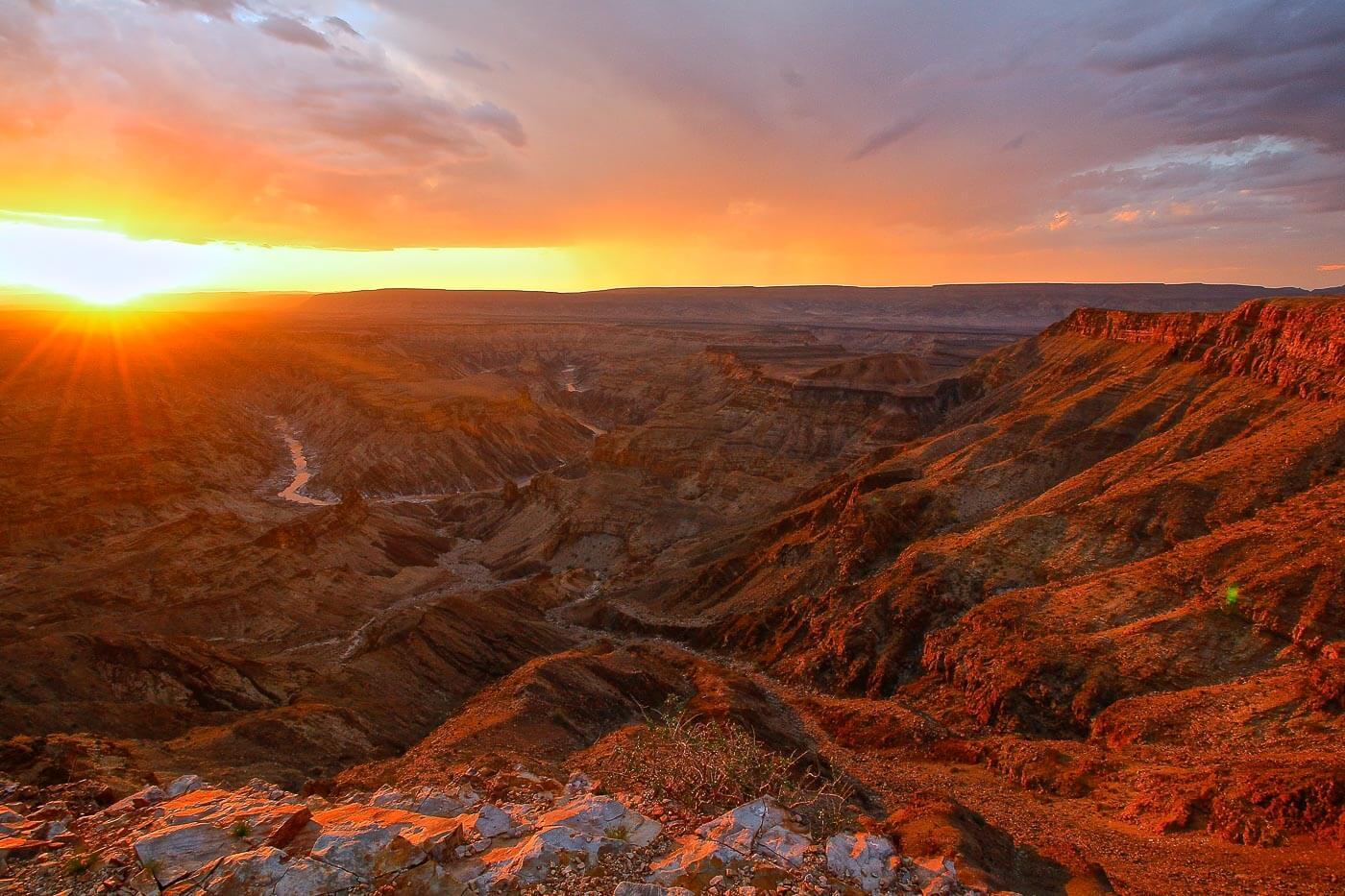 Turismo na Namíbia - por do sol em Fish River Canion