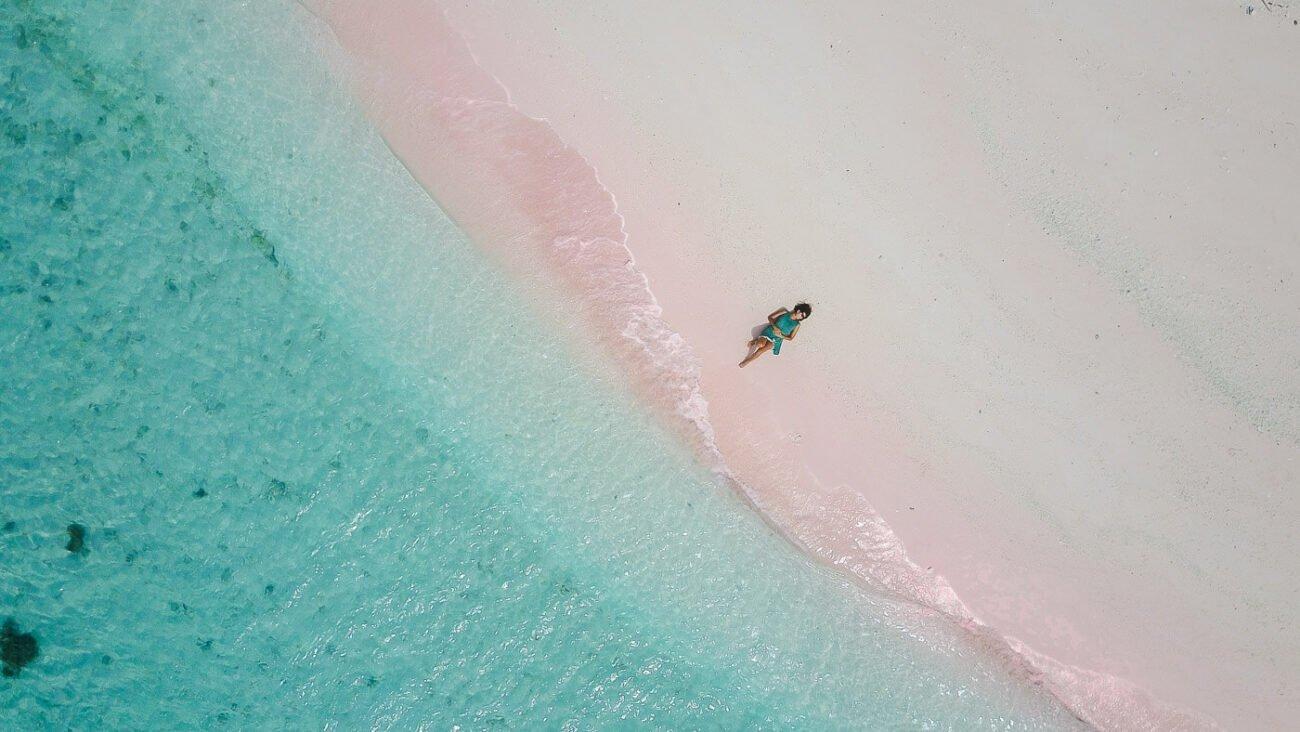 Viagem para Indonesia - Pink beach