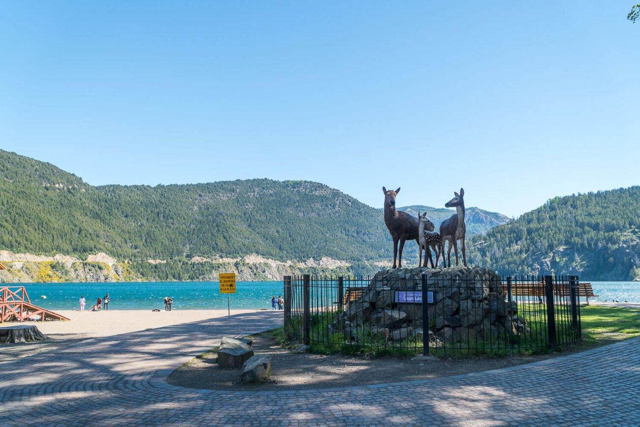 Estátua de 3 Hemuls símbolo da patagônia - Rota dos Sete Lagos