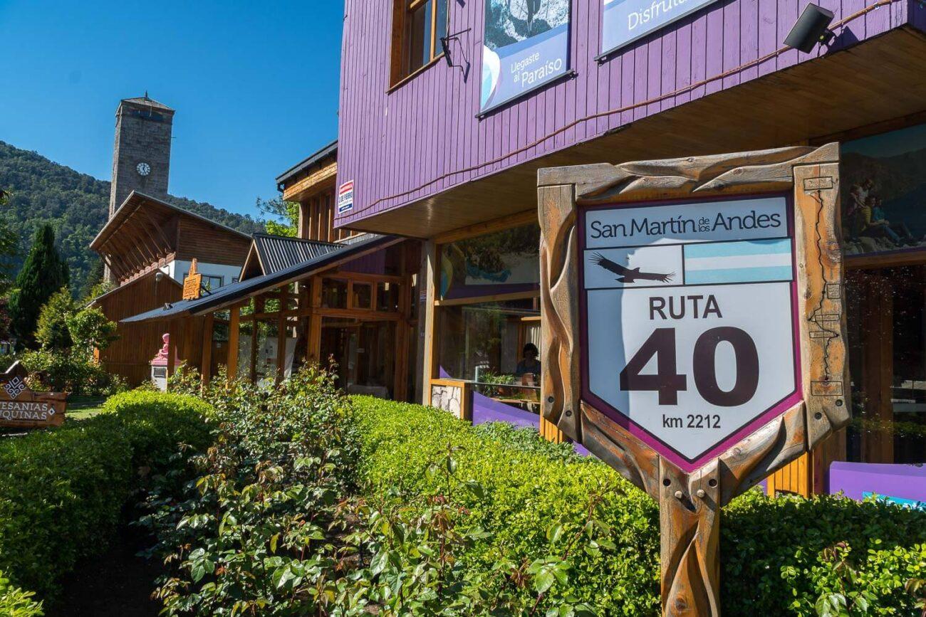Rua principal passa pela Ruta 40 - San Martin de Los Andes Argentina