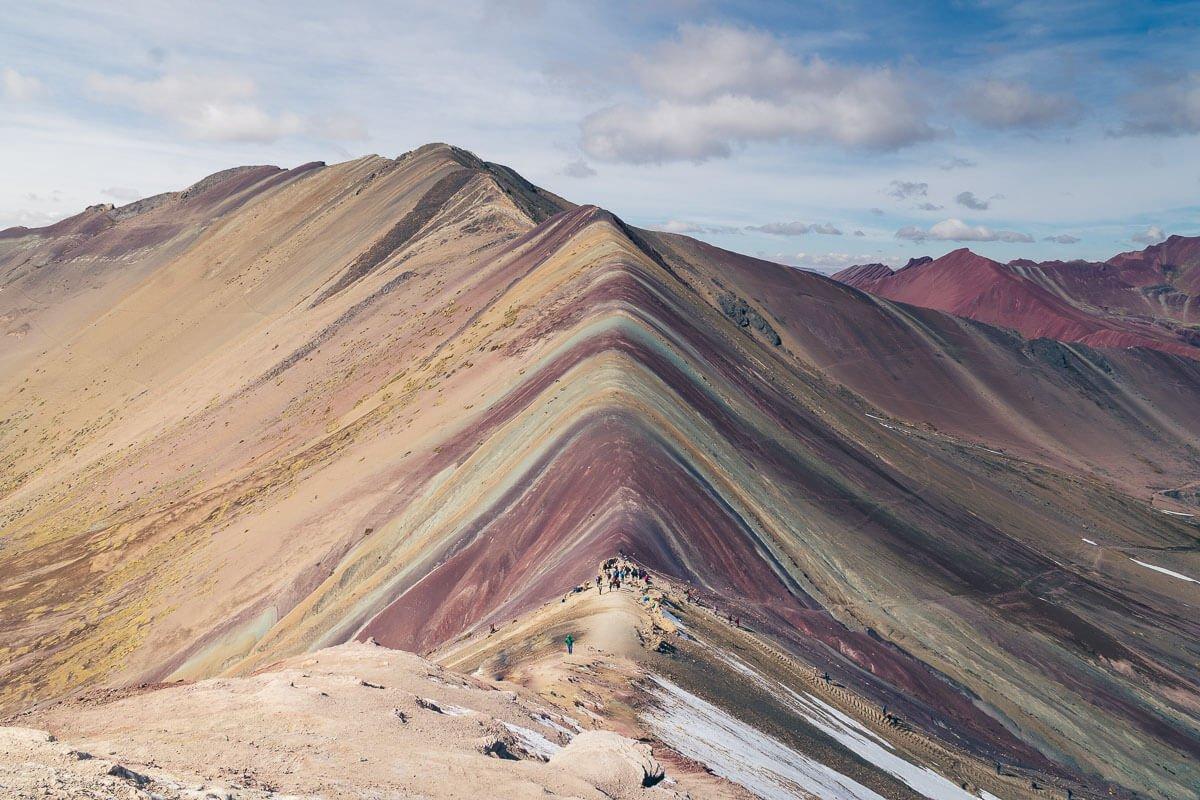 Melhor app para trilhas e viagens Rainbow Mountain