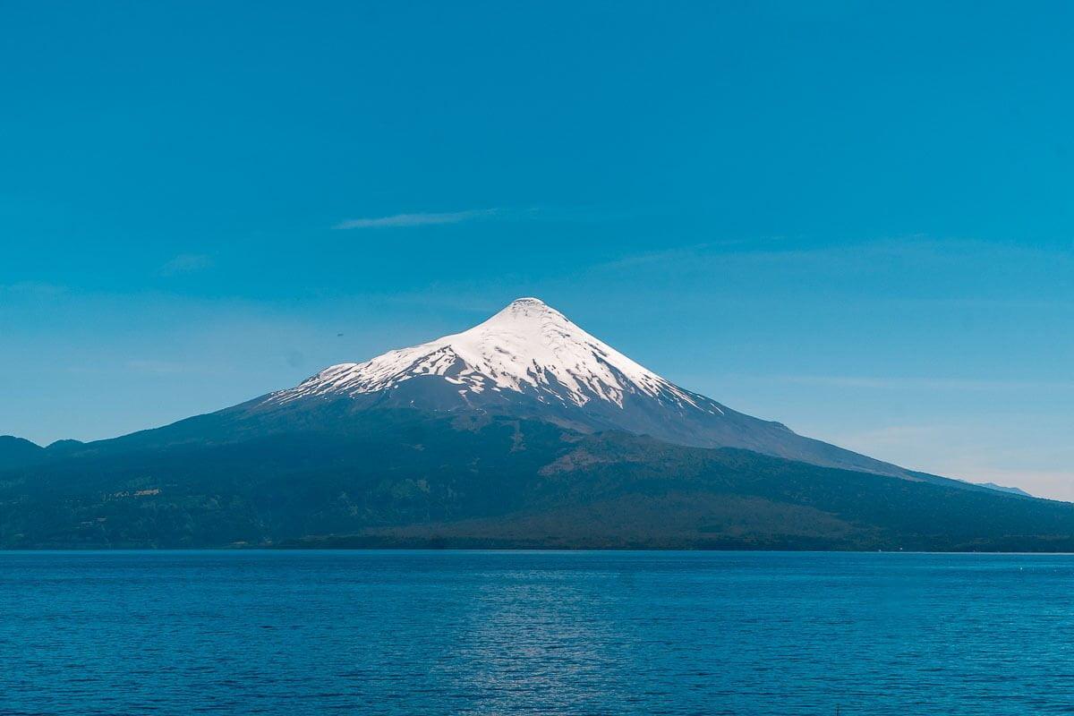 O que fazer em Puerto Varas - Lago aos pés do vulcão osorno