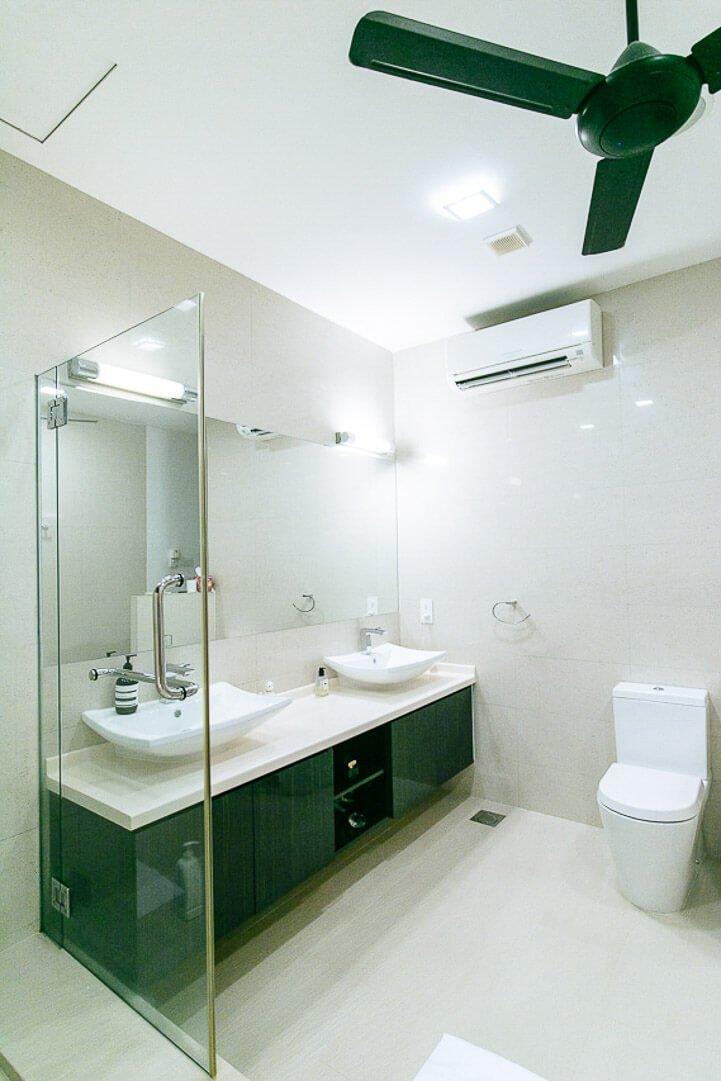 Como funciona o Airbnb - Banheiro com ar